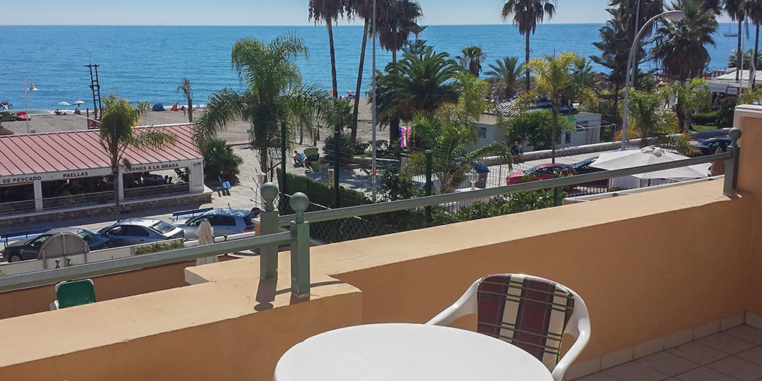 vistas mar y terraza apartamentos Nerja Bahía